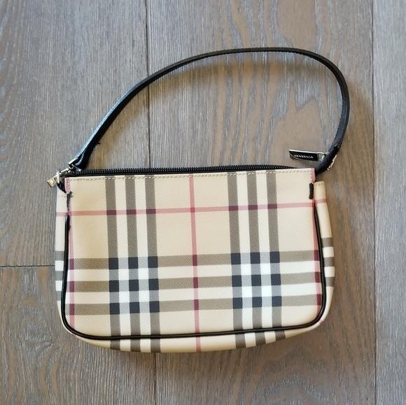 6e6ee31ef1 Burberry Handbags - Burberry London Nova Check Pochette Clutch Bag